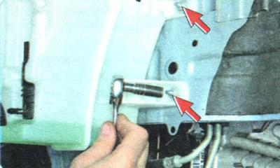 Не работает омыватель лобового стекла: основные неисправности и их устранение