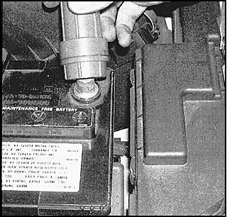 Проверка, техобслуживание и зарядка аккумулятора Toyota Camry