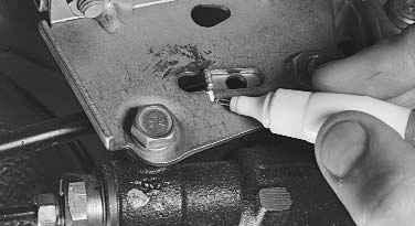 Снятие и установка регулятора давления ВАЗ 2170