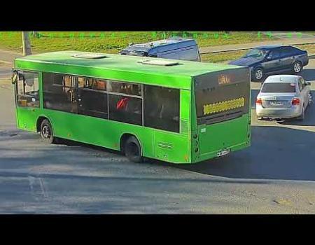 Embedded thumbnail for Момент наезда на пешехода в Архангельске