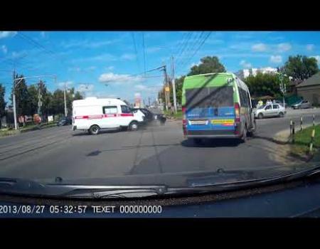 Embedded thumbnail for ДТП с участием скорой в Туле