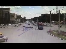 Embedded thumbnail for ДТП с Ягуаром в Ульяновске.
