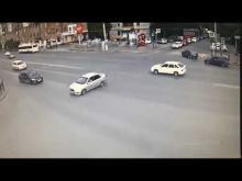 Embedded thumbnail for ДТП с переворотом в центре Волгограда