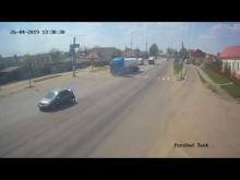 Embedded thumbnail for Грузовик столкнулся с легковой